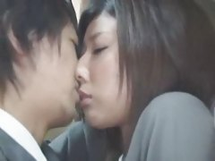 The Japanese woman's tenderness-In the inside of a bus