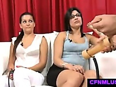 Guy with penis stimulator jerks off in CFNM show